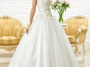 "Wedding Dress ""Tiffany"" by Oksana Mukha R 11 472 20 % OFF – (Before Price: R 14 340)"