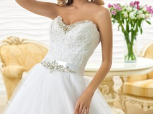 "Wedding Dress ""Doura "" by Oksana Mukha R 8 325 55 % OFF – (Before Price: R 18 500)"