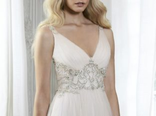 Wedding Dress Phyllis by Maggie Sottero R 14000 (price before R 26000)